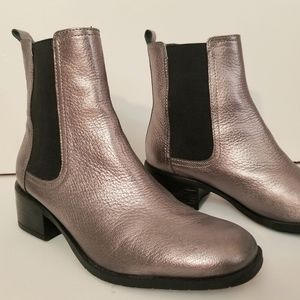Kenneth Cole Reaction chelsea leather boots